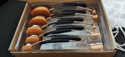 10 Piece Black Oval Brush Set photo review