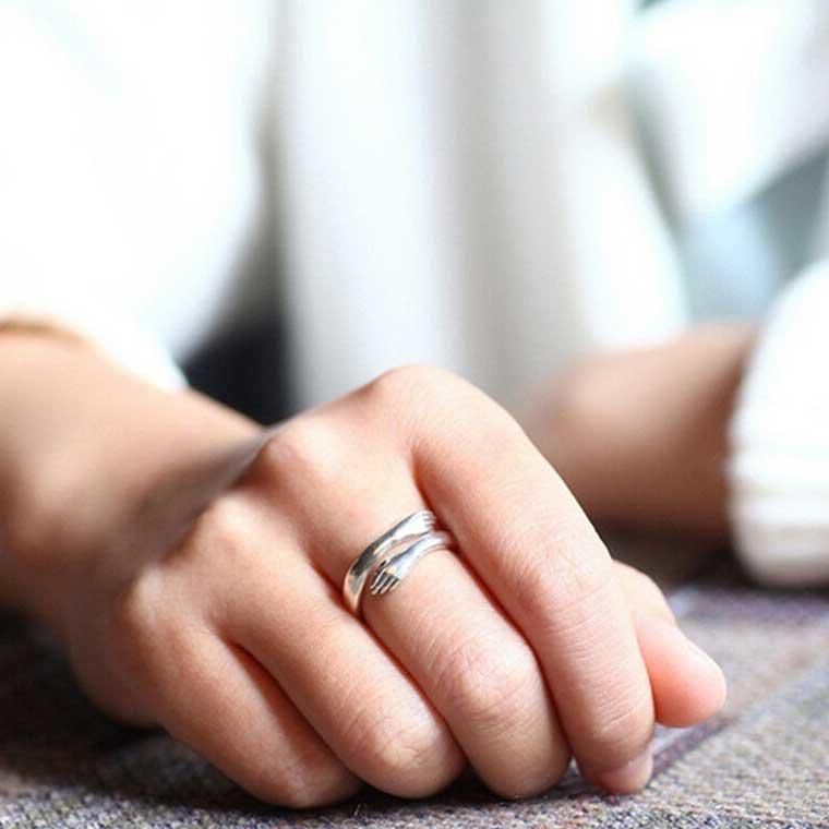 Creative Love Hug Ring